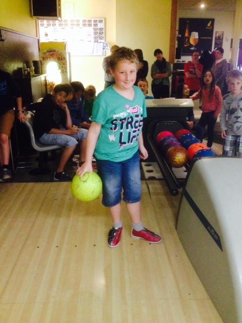 Foto 2 bowling met jeugd
