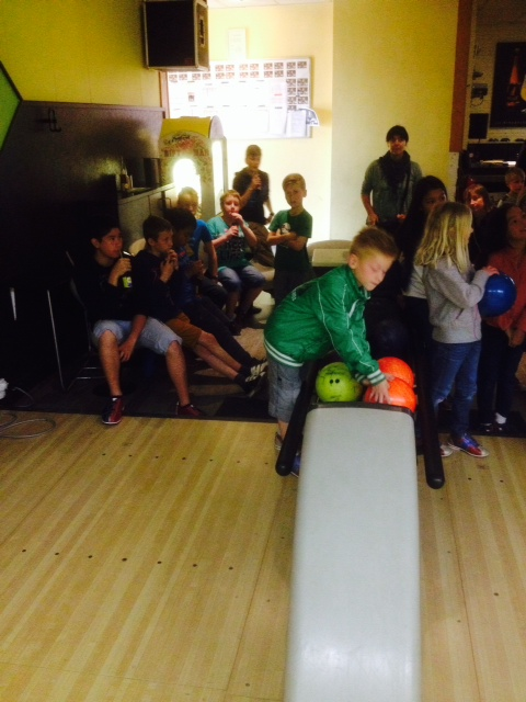 Foto 7 bowling met jeugd