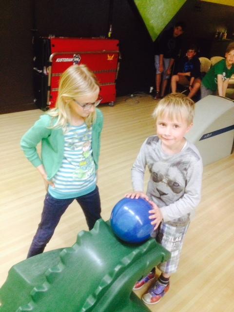 Foto 3 bowling met jeugd